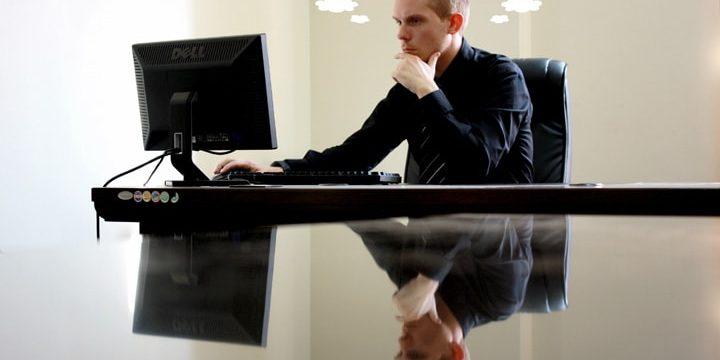 Minek legyek fent a neten? Anélkül is működik a biznisz!